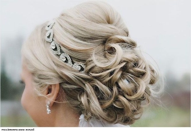 Cute And Gorgeous Hairstyles For Strapless Dresses | Cute Hairstyles Intended For Newest Updo Hairstyles For Strapless Dress (View 12 of 15)