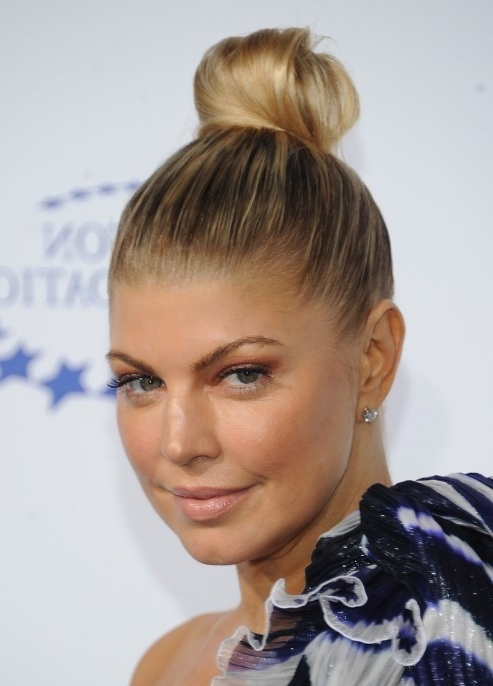 Fergie Top Knot Updo Hairstyle – Hairstyles Weekly With Regard To Most Popular Knot Updo Hairstyles (View 12 of 15)