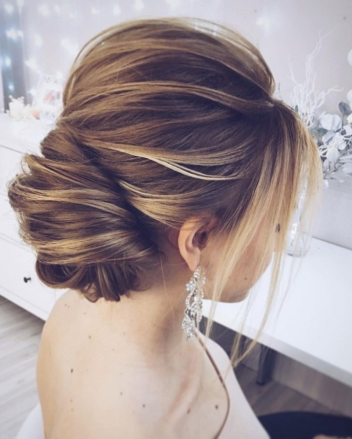 Getting That Classic And Chic Hair Updos – Yasminfashions Inside Most Up To Date Chic Updos For Long Hair (View 6 of 15)