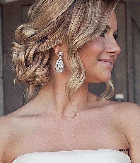 Loose Curly Bun Hairstyles Awesome Loose Curly Updo Hairstyles Hair For Most Popular Curly Bun Updo Hairstyles (View 13 of 15)