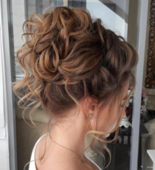 Messy Bun Updos For Medium Hair 10 Messy Curly Bun For Thin Hair Pertaining To Most Popular Curly Bun Updo Hairstyles (View 12 of 15)