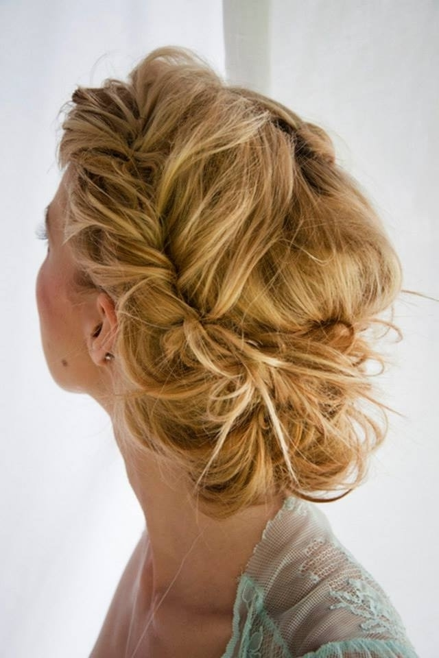 Messy Chic Hairstyles From Pinterest – Women Hairstyles Throughout Latest Low Messy Updo Hairstyles (View 10 of 15)