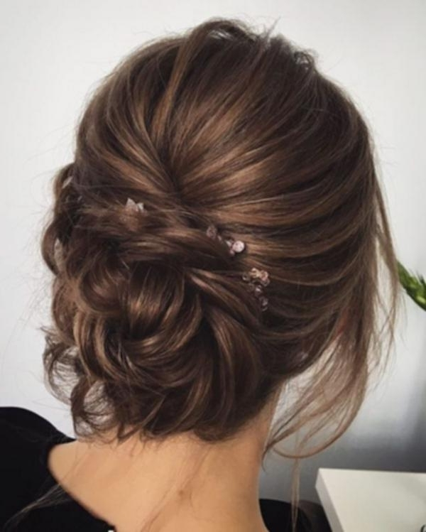 Messy Updo Wedding Hairstyles | Easy Hairstyles & Haircuts Ideas Regarding Most Recent Messy Updo Hairstyles (View 4 of 15)