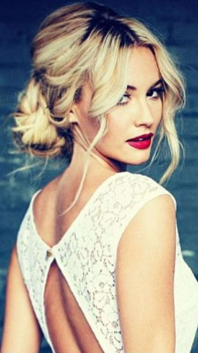 Romantic Messy Hairstyles For All Women | Messy Updo Hairstyles Throughout Latest Updo Hairstyles For Black Tie Event (View 14 of 15)