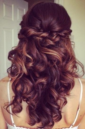 Semiraccolto Semplice Per Capelli Lunghi E Boccolosi | H A I R In Latest Wavy Hair Updo Hairstyles (View 7 of 15)