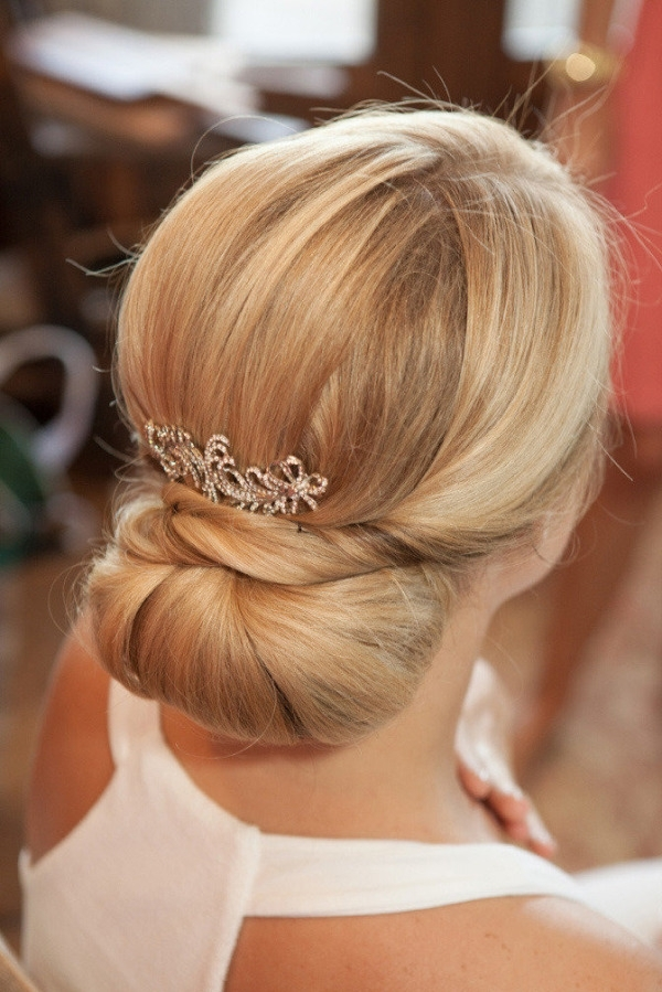 Sleek And Elegant Low Bun Updo For Wedding | Deer Pearl Flowers Within Most Current Low Bun Updo Hairstyles For Wedding (View 2 of 15)