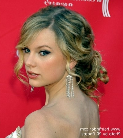Taylor Swift | Updo With A Loose Knot For Naturally Curly Hair Inside Current Loose Updos For Curly Hair (View 9 of 15)