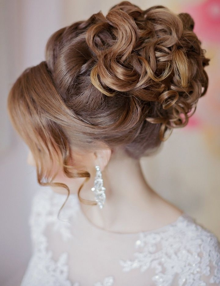 Wedding Hairstyles Updos Cheap Wedding Hairstyles For Long Curly Throughout Most Popular Wedding Updos For Thick Hair (View 2 of 15)