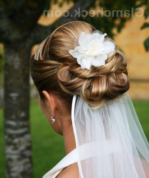 1 Layer Shoulder Length Wedding Veil W/ Ribbon Edge | Billedideer Within Wedding Hairstyles With Veil Underneath (View 10 of 15)