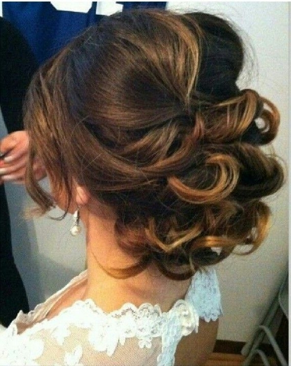 10 Gorgeous Medium Length Hairstyles Ideas | Bridesmaid Hairstyles For Bridesmaid Hairstyles For Short To Medium Length Hair (View 10 of 15)