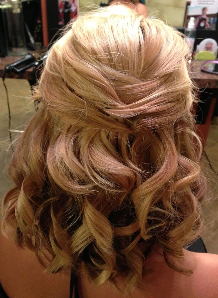 10 Luscious Prom Hairstyles For Short Hair To Make Your Night Throughout Easy Bridesmaid Hairstyles For Medium Length Hair (View 13 of 15)
