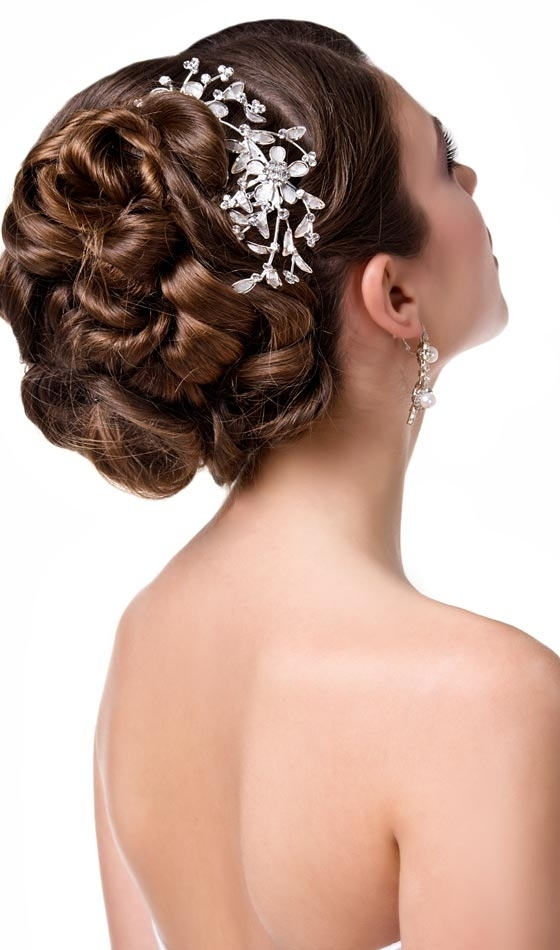 10 Wedding Updos That You Can Try Too Inside Pin Curls Wedding Hairstyles (View 8 of 15)