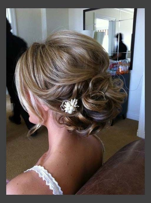 16 Pretty And Chic Updos For Medium Length Hair – Pretty Designs Intended For Wedding Updos Hairstyles For Medium Length Hair (View 3 of 15)