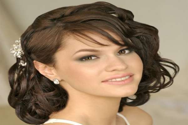16 Spectacular Indian Bridal Hairstyles For Short And Curly Hair . (View 4 of 15)