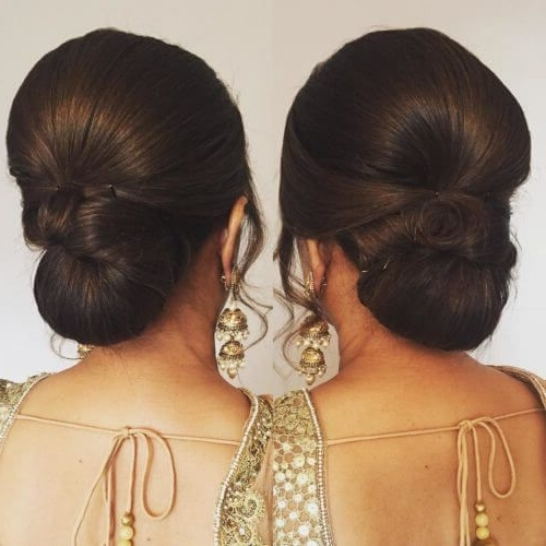 17 Best Wedding Hairstyles For Short Hair: Ideas For Indian Brides With Regard To Indian Bun Wedding Hairstyles (View 2 of 15)