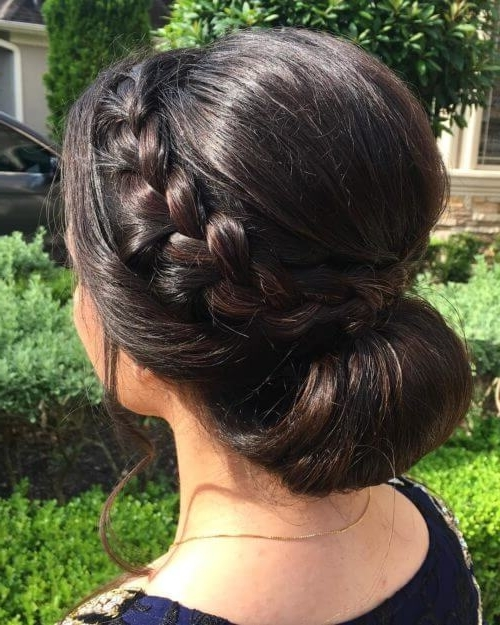17 Best Wedding Hairstyles For Short Hair: Ideas For Indian Brides With Regard To Wedding Hairstyles For Long And Short Hair (View 11 of 15)