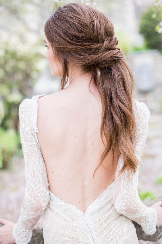 18 Super Romantic & Relaxed Summer Wedding Hairstyles | Weddingsonline In Relaxed Wedding Hairstyles (View 1 of 15)