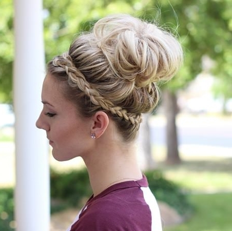 20 Casual Updos For Long Hair In Casual Wedding Hairstyles For Long Hair (View 2 of 15)