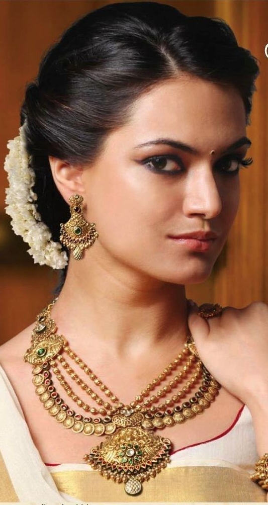 20 Gorgeous Indian Wedding Hairstyle Ideas | Pinterest | Wedding With Regard To Wedding Hairstyles For Indian Bridesmaids (View 2 of 15)