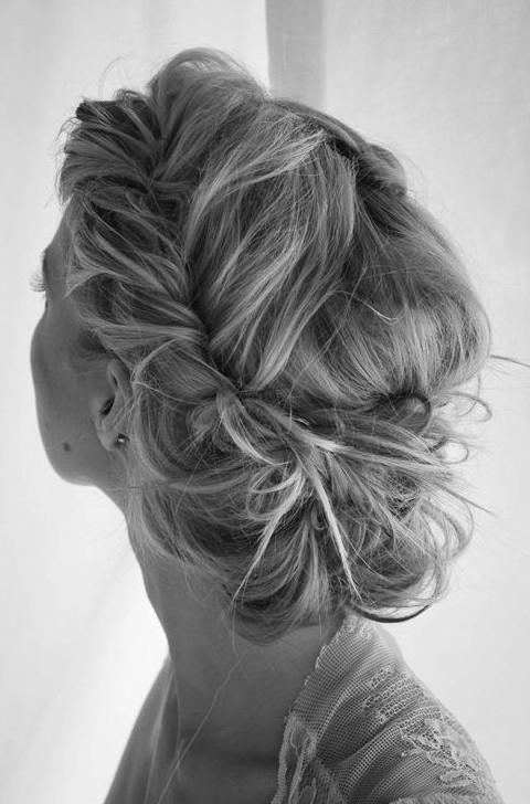 20 Gorgeous Messy Wedding Updos – Pretty Designs For Messy Wedding Hairstyles For Long Hair (View 3 of 15)