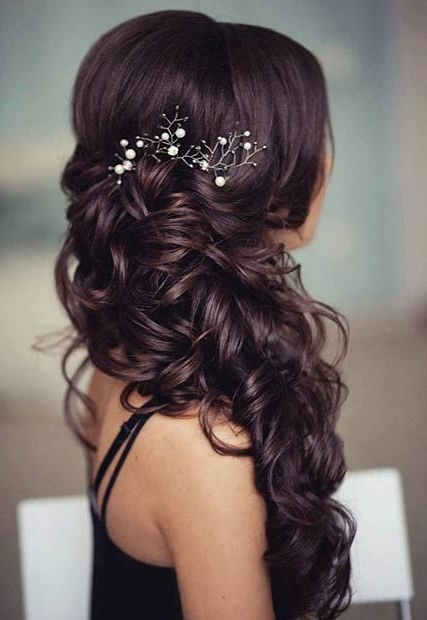 21 Pretty Side Swept Hairstyles For Prom | Pinterest | Side Swept Intended For Wedding Hairstyles To The Side With Curls (View 8 of 15)
