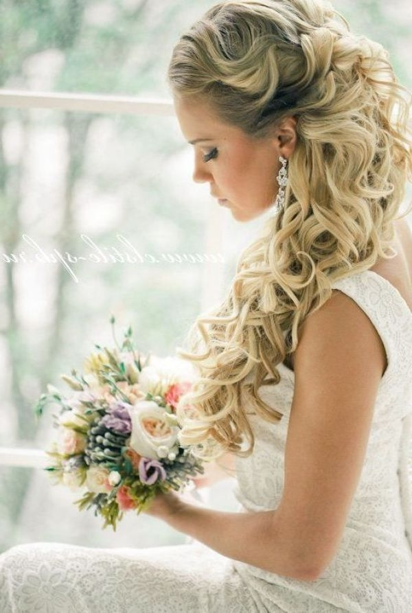 23 Stunning Half Up Half Down Wedding Hairstyles For 2016 – Pretty Within Half Up Wedding Hairstyles Long Curly Hair (View 13 of 15)
