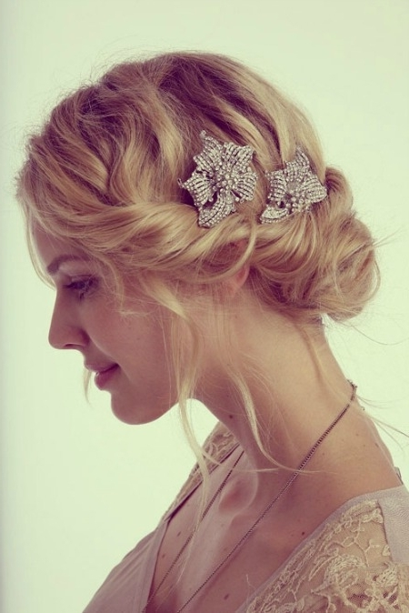 Featured Photo of Beach Wedding Hairstyles For Short Hair