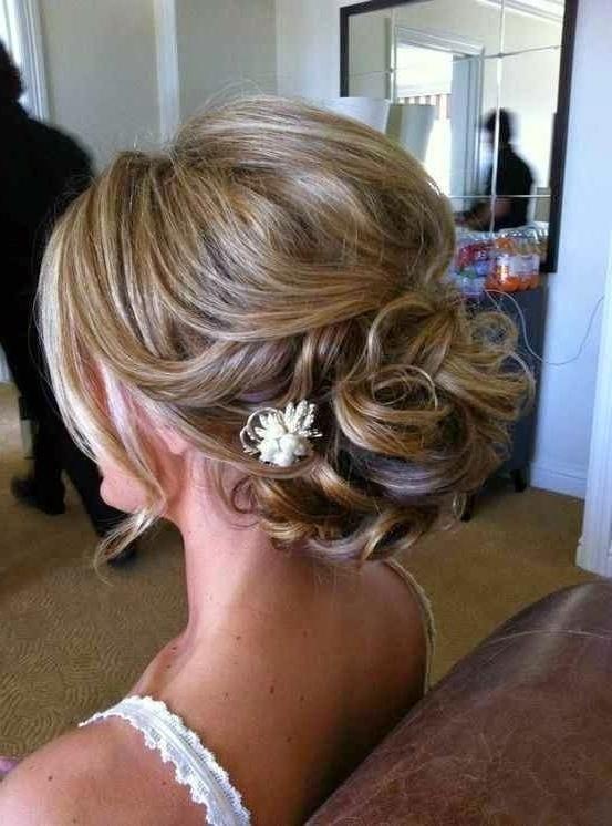 24 Lovely Medium Length Hairstyles For 2018 Weddings For Bridal Updo Hairstyles For Medium Length Hair (View 5 of 15)