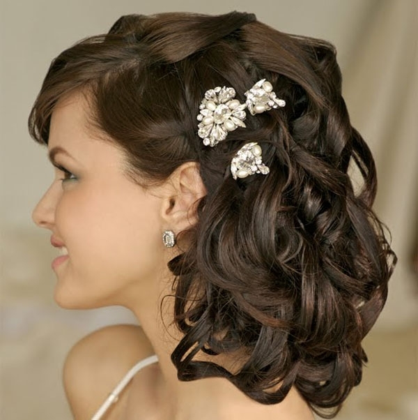 24 Stunning And Must Try Wedding Hairstyles Ideas For Brides In Wedding Hairstyles For Shoulder Length Black Hair (View 4 of 15)