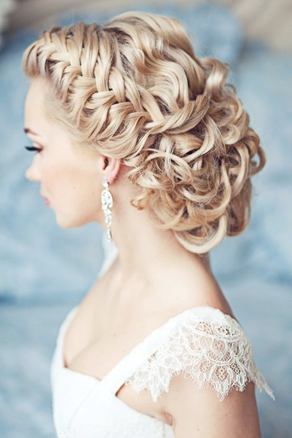 25 Classic And Beautiful Vintage Wedding Hairstyles – Haircuts In Vintage Updo Wedding Hairstyles (View 2 of 15)