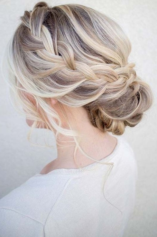 26 Chic Messy Chignon Wedding Hairstyles – Weddingomania Throughout Chignon Wedding Hairstyles For Long Hair (View 6 of 15)