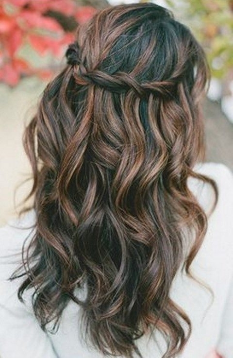 27 Casual Wedding Hair Ideas | Happywedd Pertaining To Casual Wedding Hairstyles (View 2 of 15)