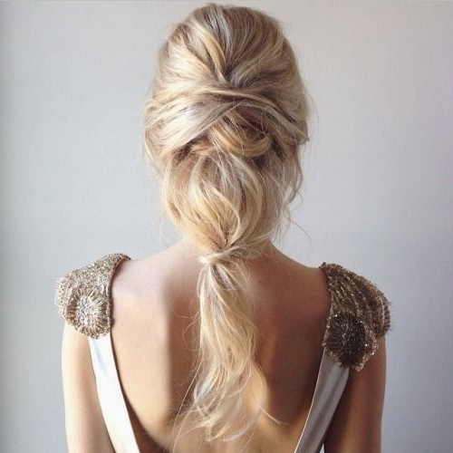 28 Casual Wedding Hairstyles For Effortlessly Chic Brides Pertaining To Casual Wedding Hairstyles (View 6 of 15)