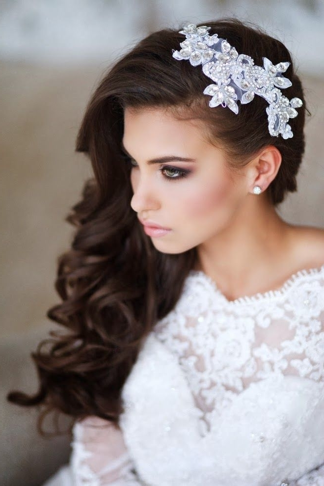 30 Amazing Wedding Hairstyles With Headpiece | Deer Pearl Flowers Within Wedding Hairstyles With Headpiece (View 4 of 15)