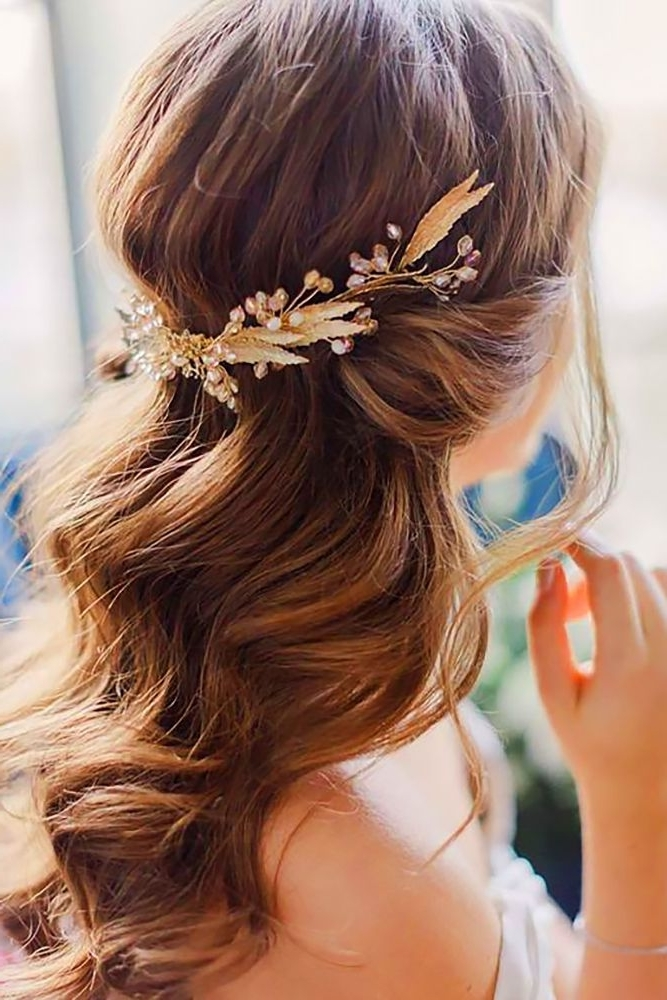 30 Captivating Wedding Hairstyles For Medium Length Hair | Pinterest Inside Down Medium Hair Wedding Hairstyles (View 3 of 15)