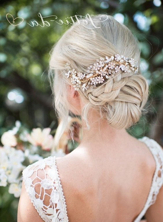 30 Chic Vintage Wedding Hairstyles And Bridal Hair Accessories Regarding Updos Wedding Hairstyles With Fascinators (View 1 of 15)