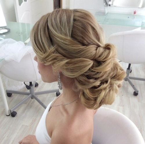 30 Classic Wedding Hairstyles & Updos – Wedding Hair Ideas For Classic Wedding Hairstyles (View 2 of 15)