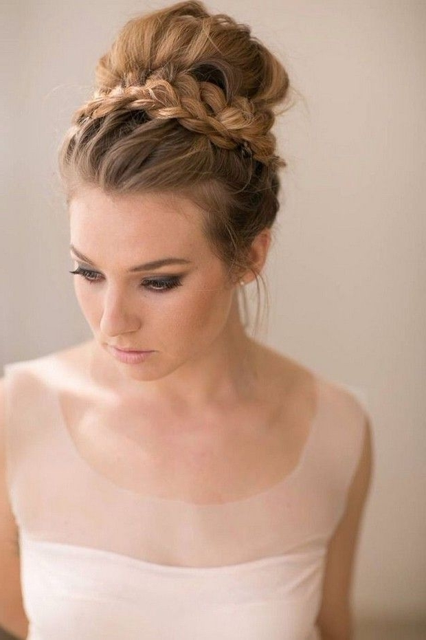 30 Top Knot Bun Wedding Hairstyles That Will Inspire(With Tutorial Throughout Knot Wedding Hairstyles (View 11 of 15)