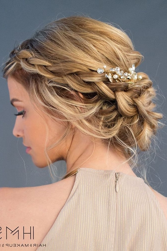 30 Top Wedding Updos For Medium Hair | Medium Hair, Updos And Weddings With Wedding Night Hairstyles (View 12 of 15)