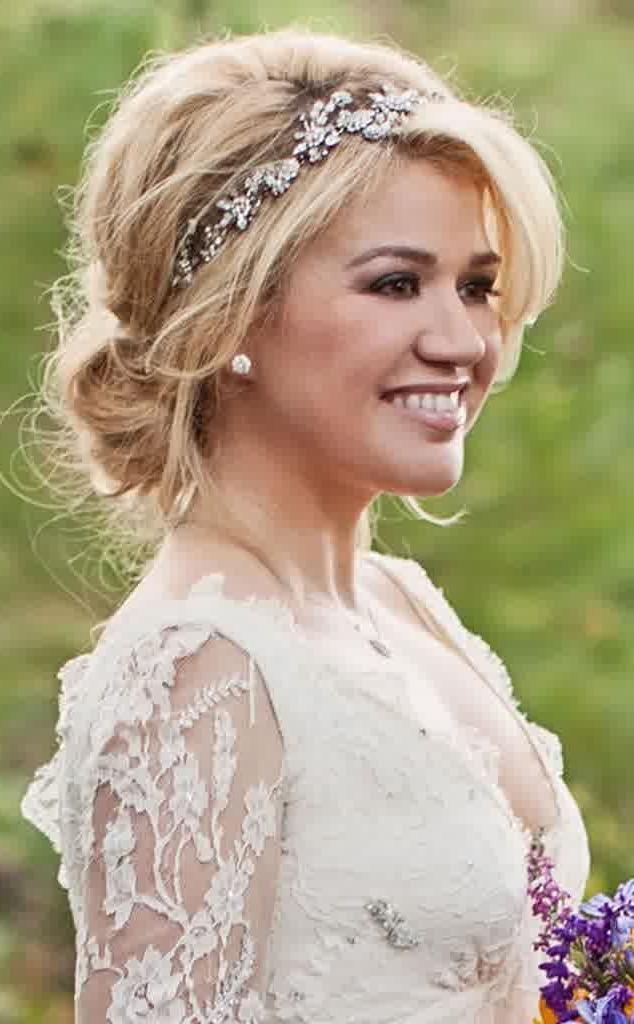 30 Wedding Hairstyles For Medium Hair Regarding Wedding Hairstyles For Medium Length Hair With Bangs (View 3 of 15)