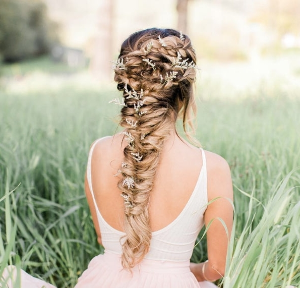 31 Undone Fishtail Braids – Style Skinner With Regard To Fishtail Braid Wedding Hairstyles (View 5 of 15)