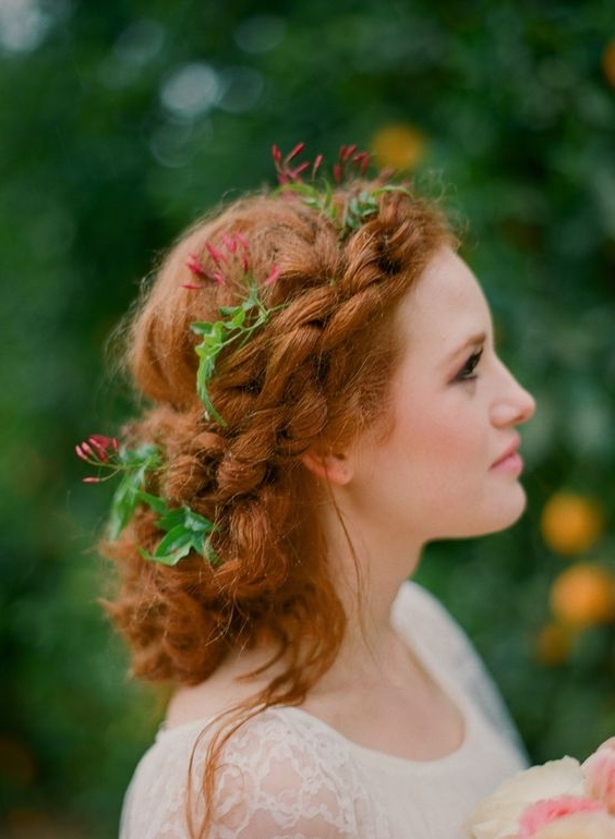 33 Modern Curly Hairstyles That Will Slay On Your Wedding Day | A In Wedding Hairstyles For Extremely Long Hair (View 11 of 15)