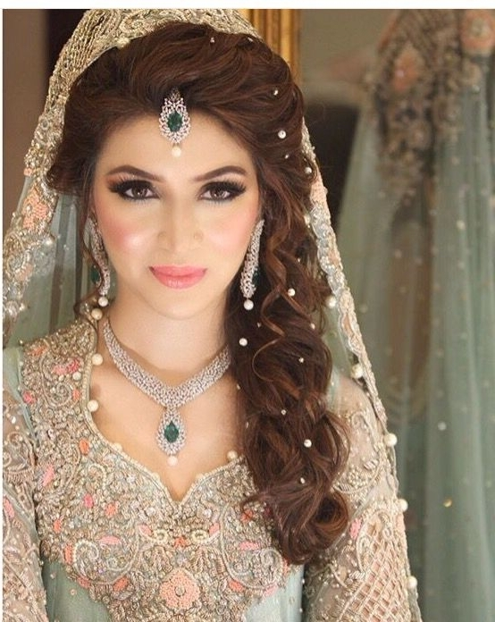 Featured Photo of Indian Wedding Hairstyles