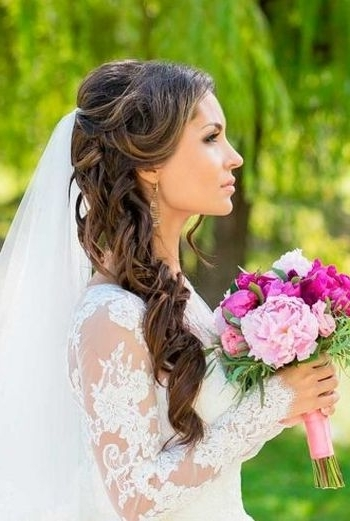 37 Half Up Half Down Wedding Hairstyles Anyone Would Love Pertaining To Wedding Hairstyles For Long Hair Down With Veil (View 1 of 15)