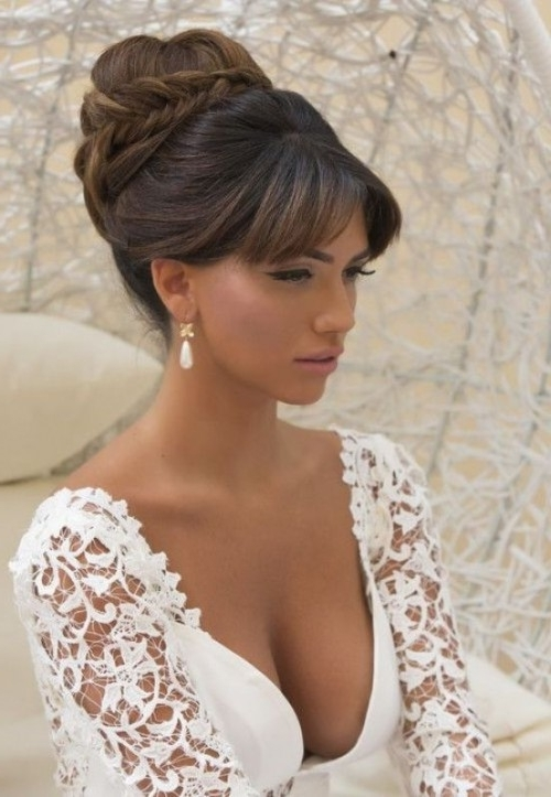 39 Chic And Pretty Wedding Hairstyles With Bangs – Weddingomania In Wedding Hairstyles With Fringe (View 4 of 15)