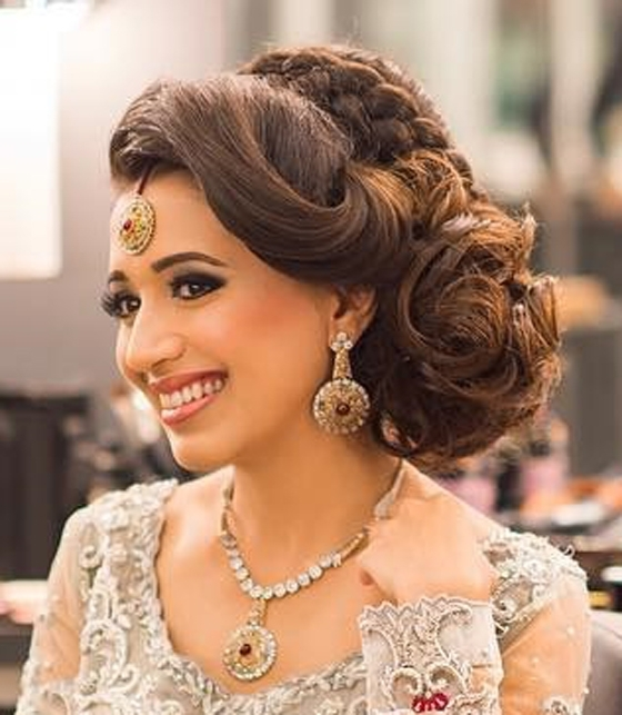 40 Indian Bridal Hairstyles Perfect For Your Wedding Intended For Indian Wedding Hairstyles (View 4 of 15)