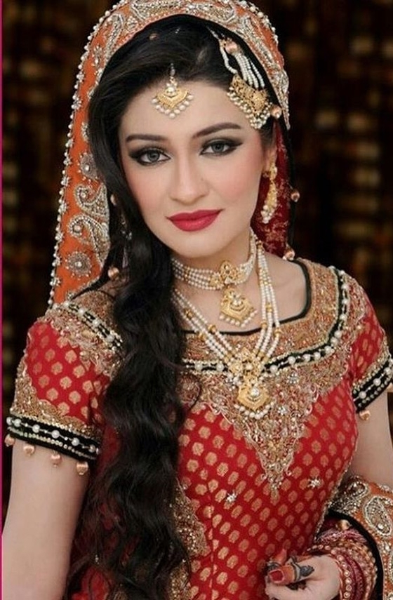 40 Indian Bridal Hairstyles Perfect For Your Wedding Within Wedding Hairstyles For Indian Bridesmaids (View 14 of 15)