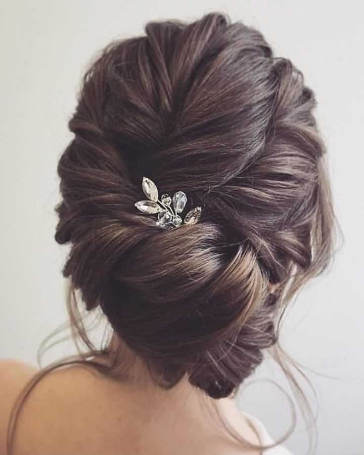40 Popular Wedding Hairstyles For Brides, Bridesmaids And Guests Regarding Casual Wedding Hairstyles (View 7 of 15)