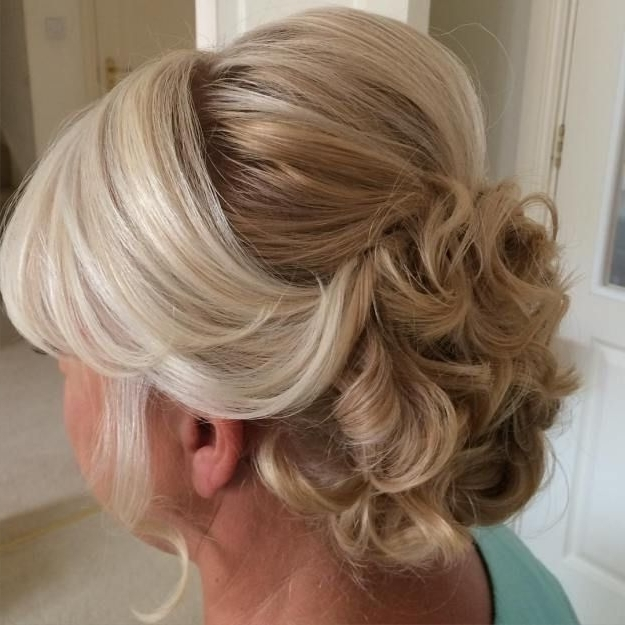 40 Ravishing Mother Of The Bride Hairstyles | Updo, Curly And Hair In Wedding Hairstyles For Older Ladies With Long Hair (View 6 of 15)