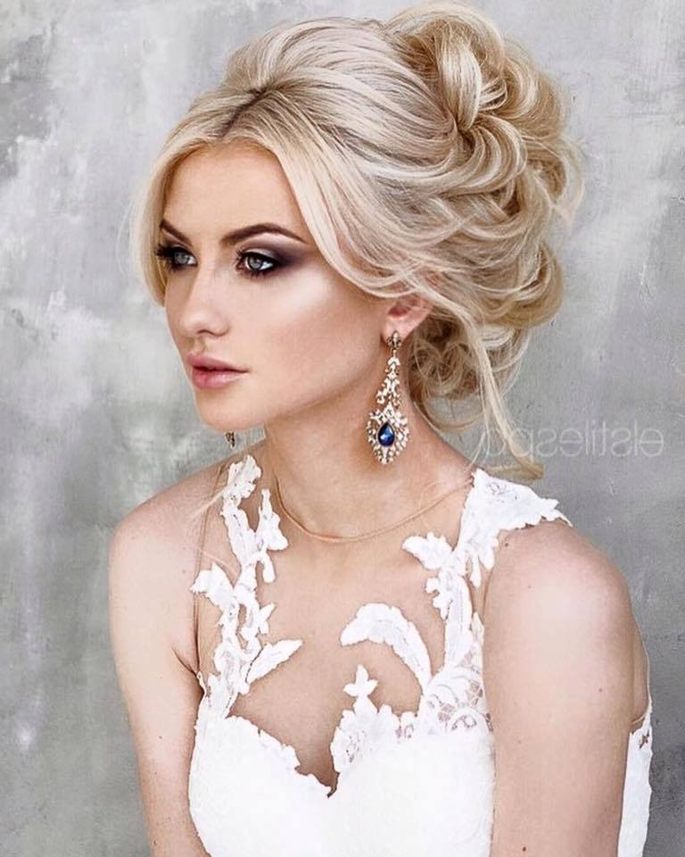 44 Wedding Hairstyles Goals To Make A Mark With The Greek Goddess Look With Regard To Middle Part Wedding Hairstyles (View 4 of 15)